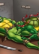 Teenage Mutant Ninja Turtles probe their green asses